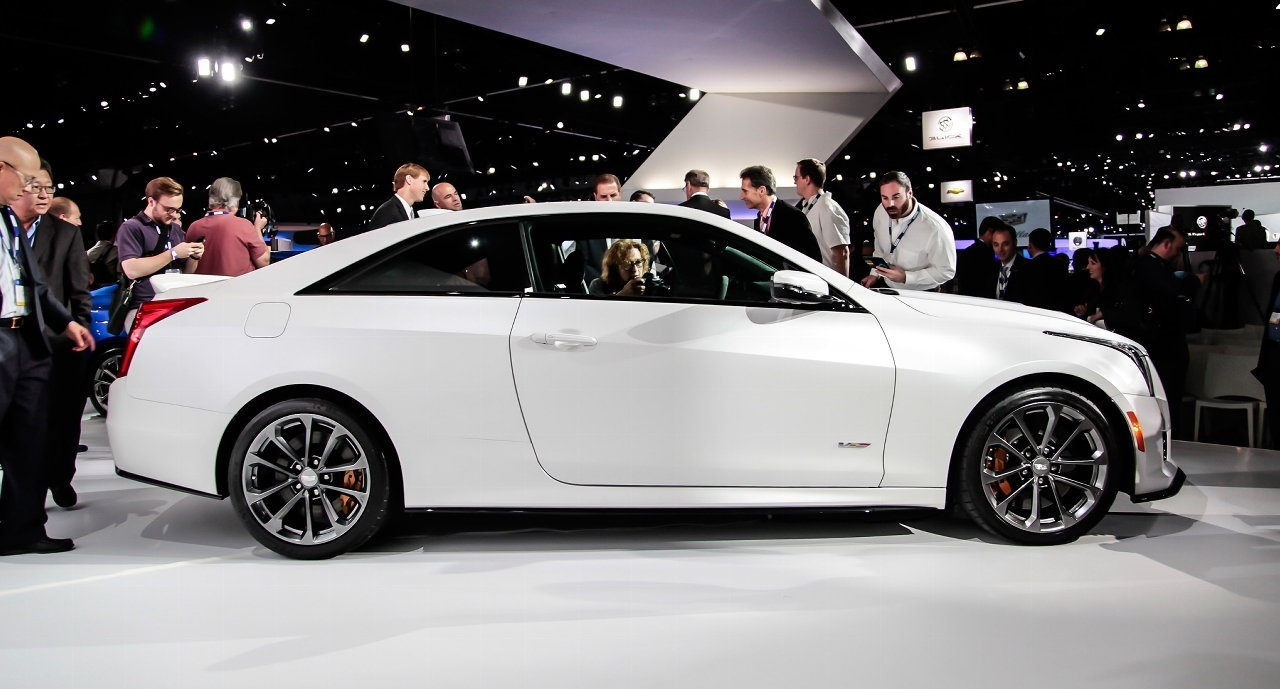 2016 cadillac ats v styles features highlights. Black Bedroom Furniture Sets. Home Design Ideas
