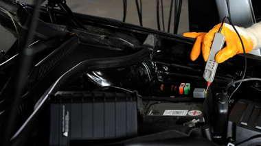 Diagnosing Car Battery Problems