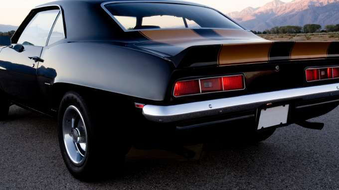 Top 10 classic muscle cars of all time carsdirect for Best american classic cars