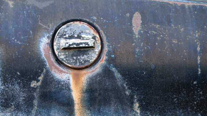 Car Maintenance Checklist >> How to Prevent Car Paint Color from Fading - CarsDirect