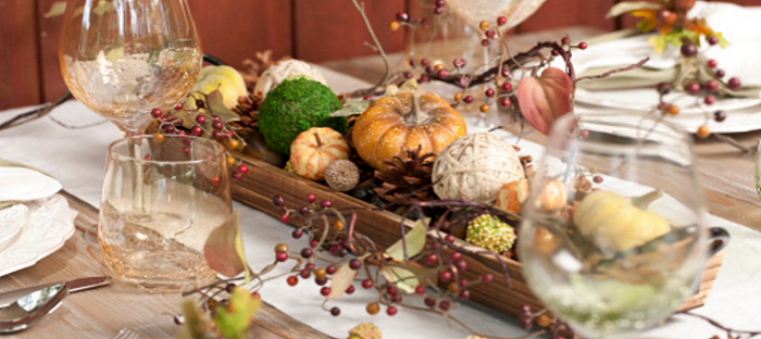 thanksgiving centerpiece with table runner