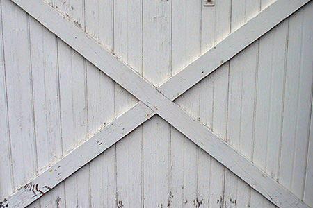 how to build swinging barn doors