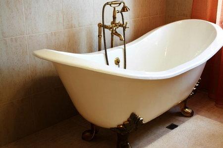 7 Clawfoot Tub Plumbing Tips