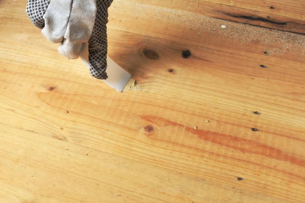 How To Apply A Stain Over Wood Filler Doityourself Com
