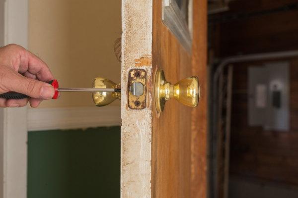 How To Repair A Loose Doorknob Doityourself Com