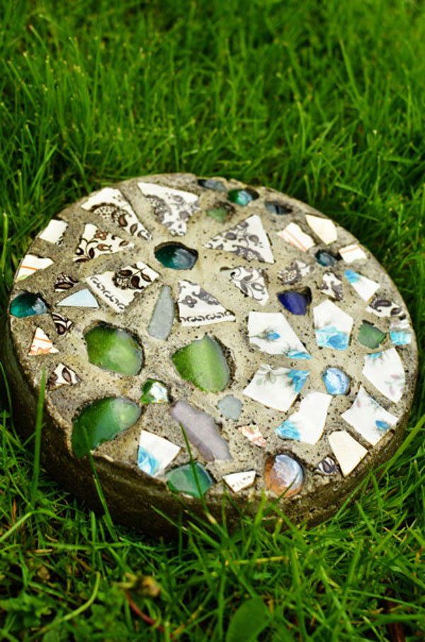 6 crafts to make with broken glass for Crafts using stones