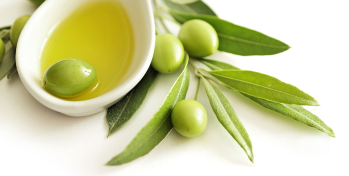 olive oil_000041825220_Small.jpg
