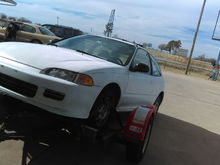 Its a 92 civic with the 1.5 d15z1,5. Speed