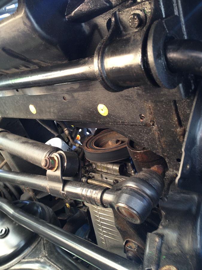 oil leak between engine transmission  oil  free engine