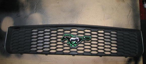 mustang grille 03