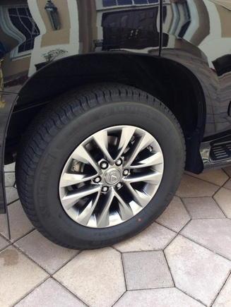 Graphite rims and Michelin tires