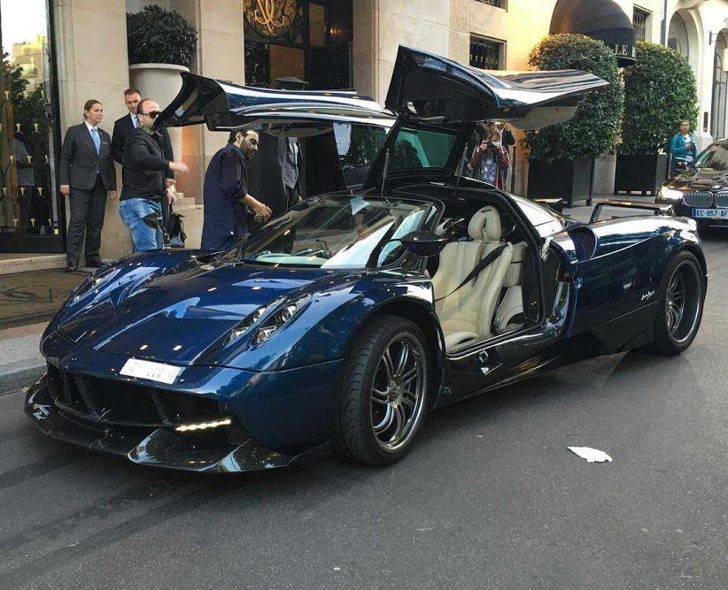 1 of 1 pagani huayra pearl edition. Black Bedroom Furniture Sets. Home Design Ideas