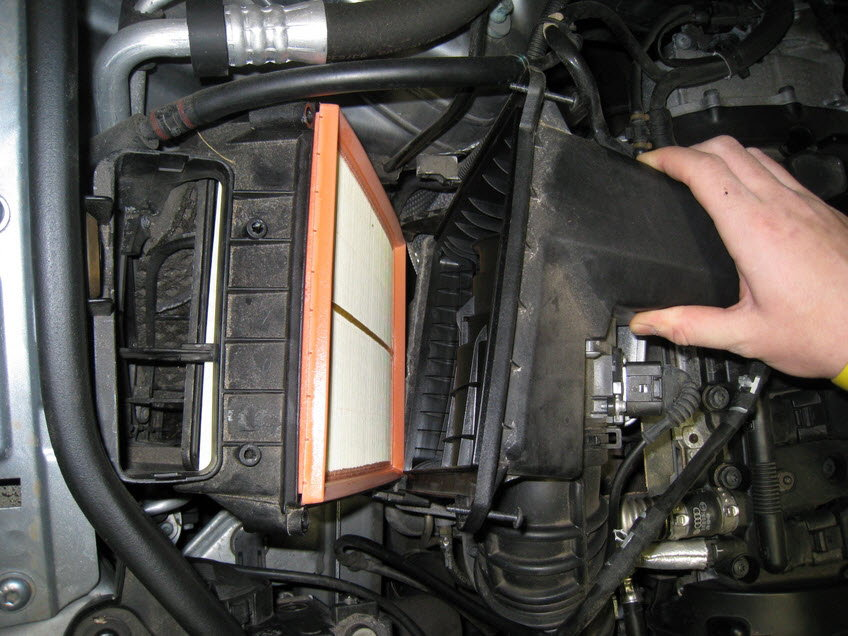 Audi A4 B7 How To Replace Air Filter Audiworldrhaudiworld: Fuel Filter Location 2003 Audi A4 Cabriolet At Elf-jo.com