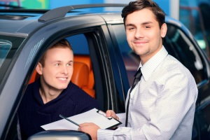 Does Car Leasing for Students Make More Sense than Buying?