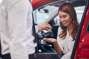 The Benefits of Buying a New Car With Bad Credit