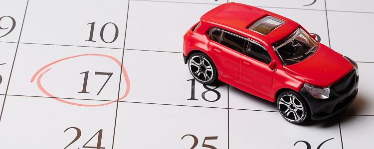¿Cuándo se considera atrasado el pago de mi automóvil?