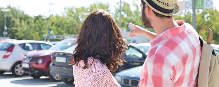 Who Qualifies to Be a Cosigner on an Auto Loan?