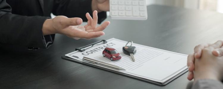 Cómo presupuestar un préstamo para automóvil con mal crédito