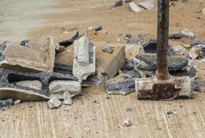 A sledgehammer at work.