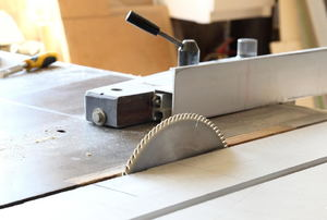 A table saw.