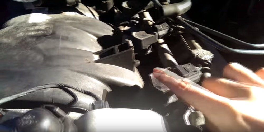 service manual removing  replacing spark plugs