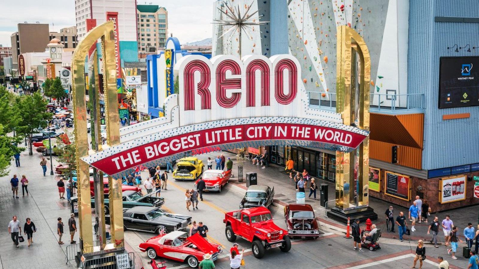 Hot August Nights, Reno NV, Corvette meet