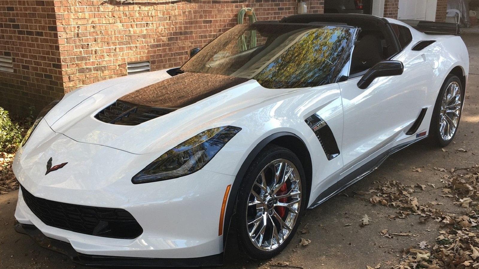 2016 Chevrolet Corvette Z06 - $85,999