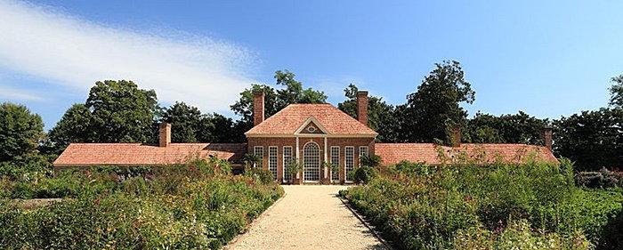 rose garden at Mount Vernon