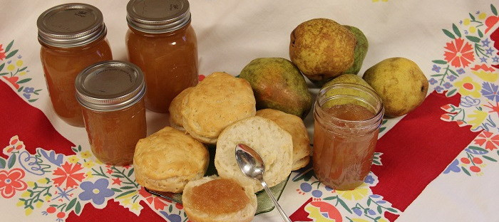 pear honey, biscuits and pears
