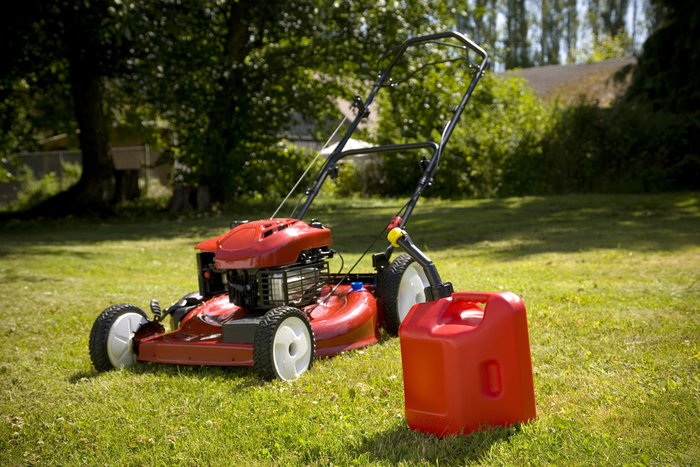 Lawn mower gas can