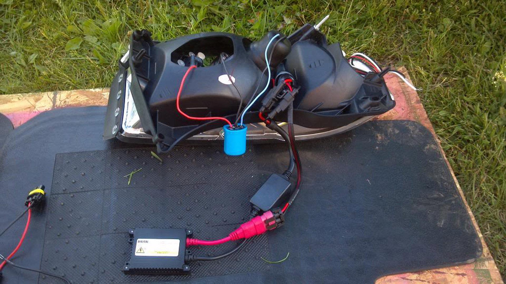 Dodge Ram 1999-2001: How to Replace Headlamp Relay ...
