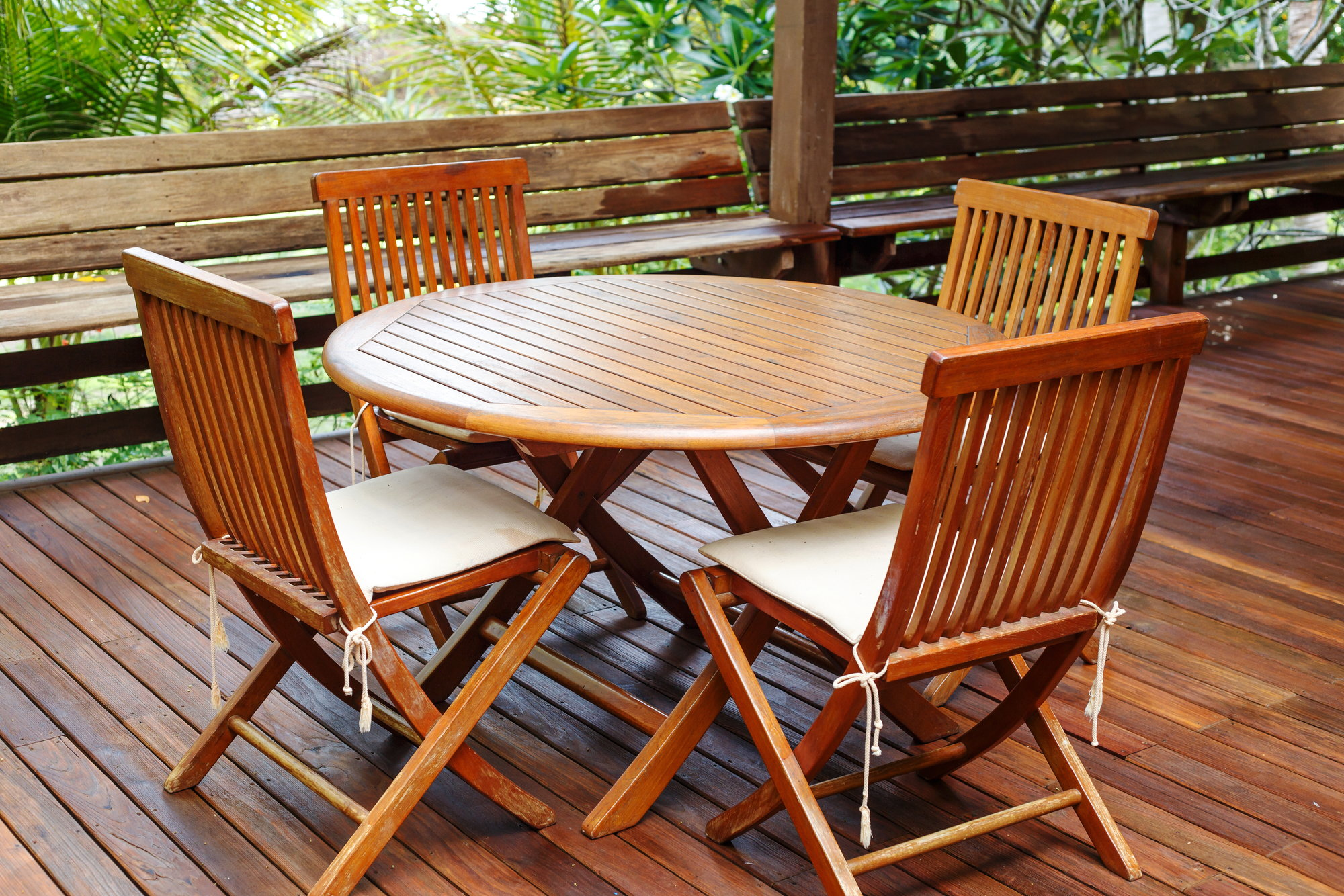 How To Re Outdoor Teak Furniture Doityourself