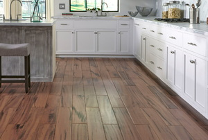 6 Benefits of Wood-Look Porcelain Tile