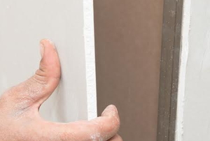 installing drywall boards