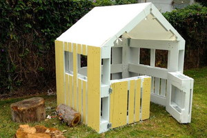 Pallets to Playhouse in 5 Steps