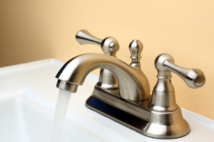 How to Polish Nickel Faucets With Homemade Cleaners