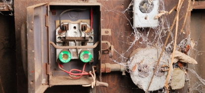 10-Electrical-Issues-to-Look-For-in-Your-New-Home-15505 What Is And Tube Wiring In A Home on