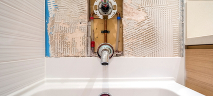 How to Remove Caulking From a Tub Surround How to Remove Caulking From a Tub  Surround
