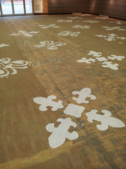 How To Stencil Your Wood Floor Doityourself