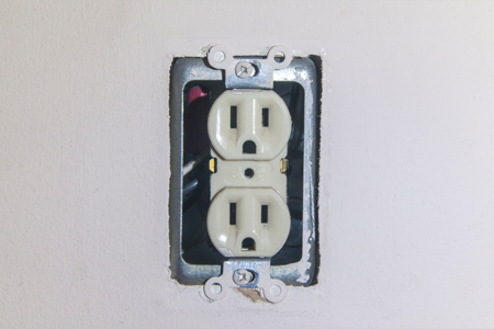 how to replace an electrical outlet doityourself com rh doityourself com Electrical Outlet Icon Electrical Outlet Not Working