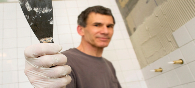 How to Remove Silicone Glue From a Shower Wall | DoItYourself.com