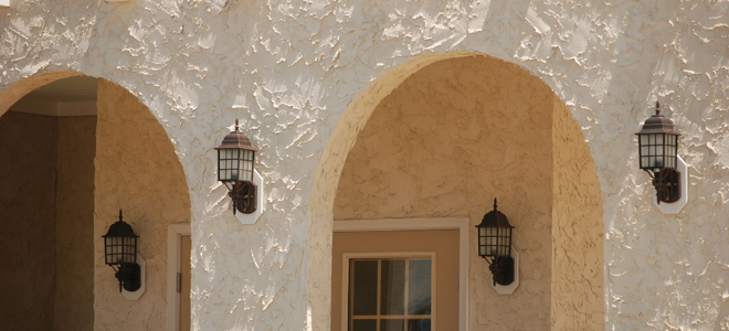 Affordable and easy ways to keep stucco clean - Types of exterior finishes for homes ...