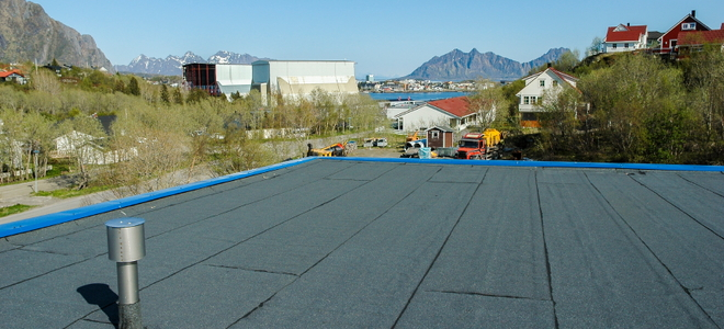 3 Signs That You Should Replace Your Flat Roof Doityourself Com