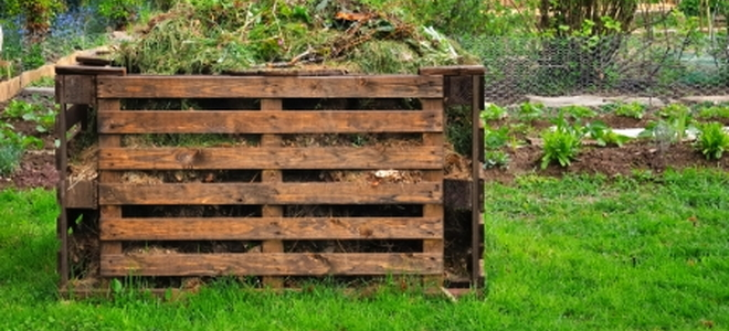 Building a Compost Bin with Old Wood Pallets DoItYourselfcom