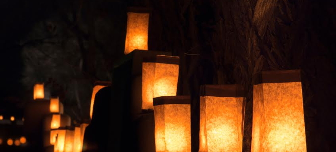 How to make holiday luminaries doityourself how to make holiday luminaries how to make holiday luminaries solutioingenieria Image collections