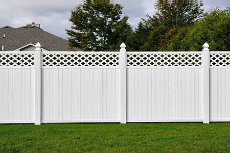 How To Build A Privacy Fence Doityourself Com