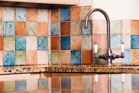 how to remove ceramic tile backsplashes. Black Bedroom Furniture Sets. Home Design Ideas
