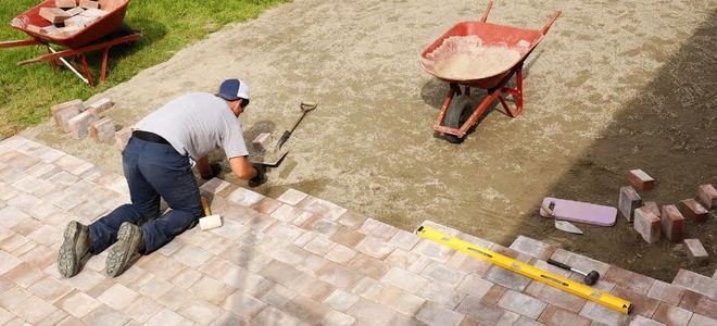 Installing a paving stone patio
