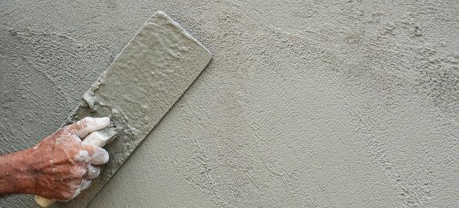 làm phẳng bề mặt bê tông bằng tay bằng dụng cụ phao