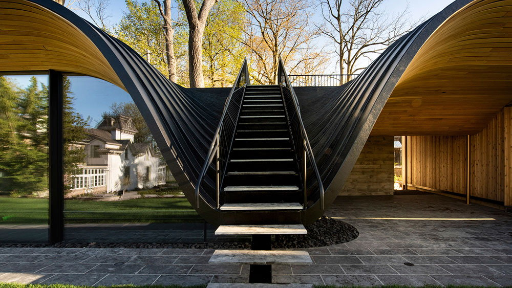 """Partisans' Groundbreaking """"Fold House"""" Bends Into the Surrounding Geography"""